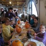 Kézműves foglalkozás a Pusztai Állatparkban